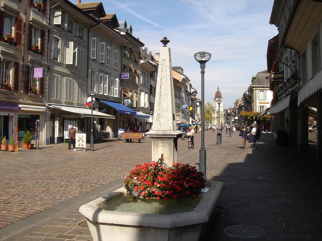 Nice street scene - reminds me of Bridport